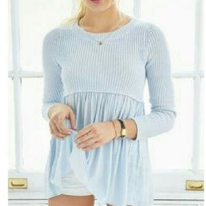 Small urban outfitters sweater